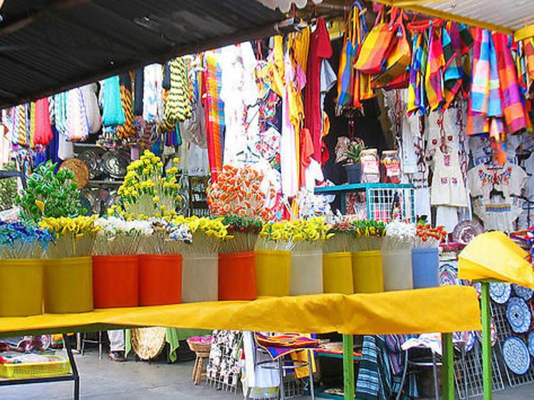 Para comprar artesanías: Mercado Ciudadela