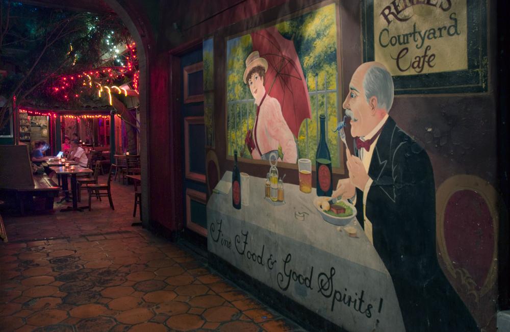 Renée's Courtyard Café & Bar