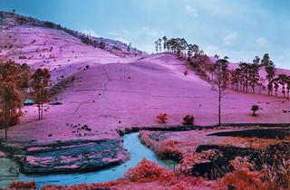 ('Men of Good Fortune' / © Richard Mosse)