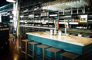 Buzz Wine Beer Shop.