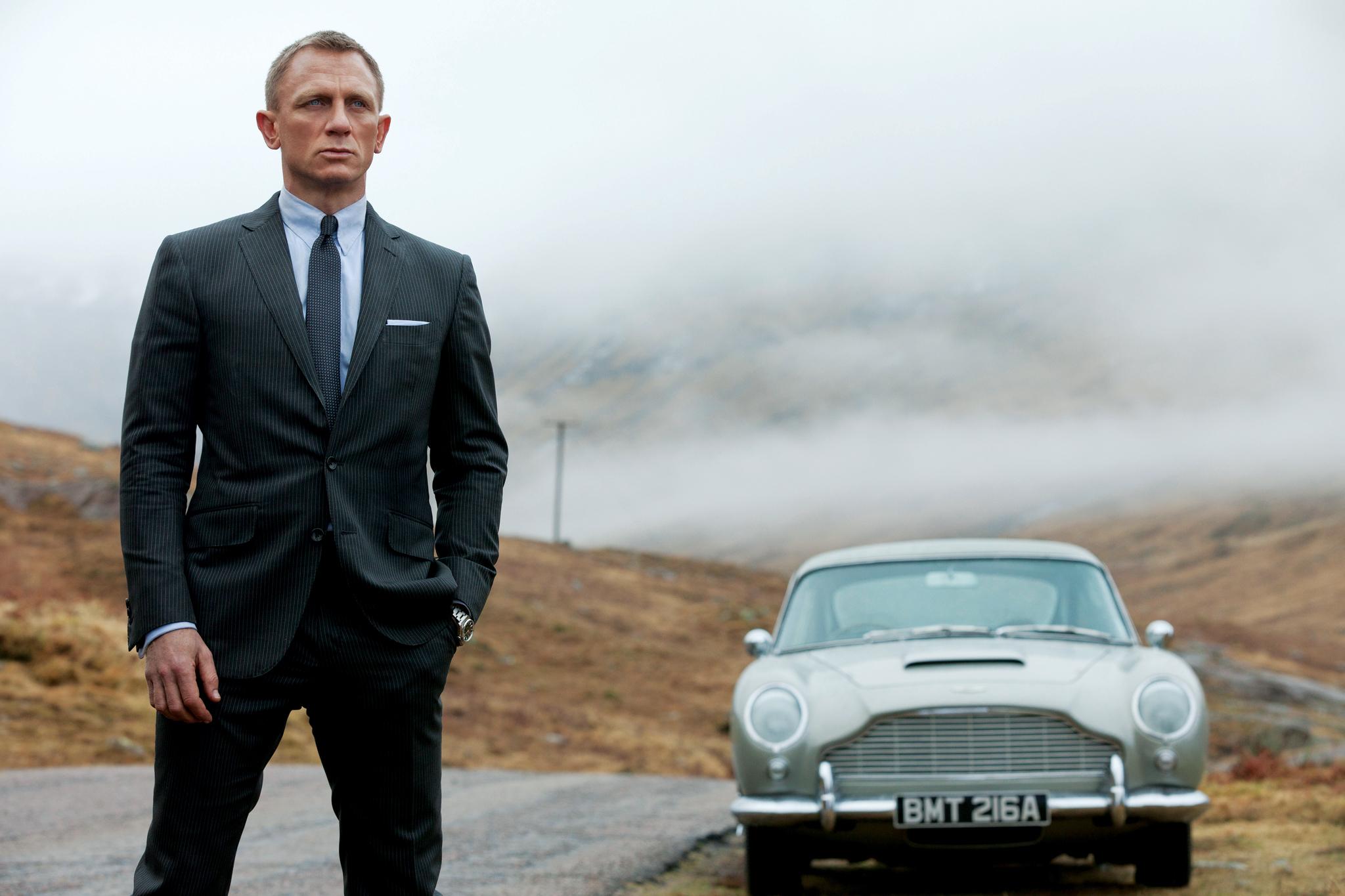 James Bond Sketch Night
