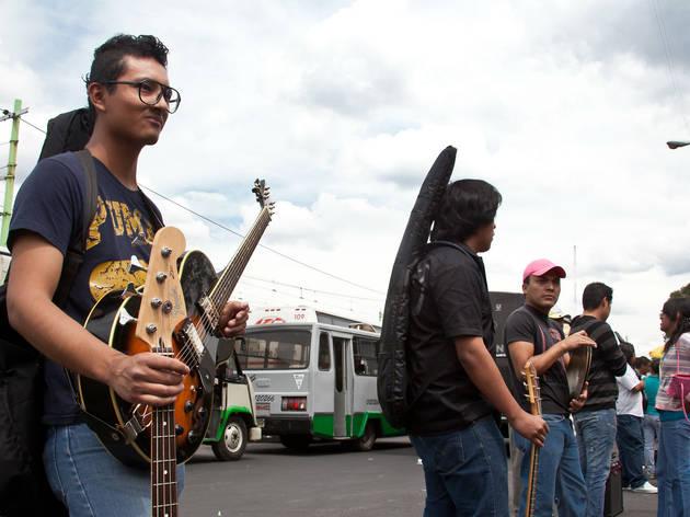 Tianguis de instrumentos musicales de Taxqueña