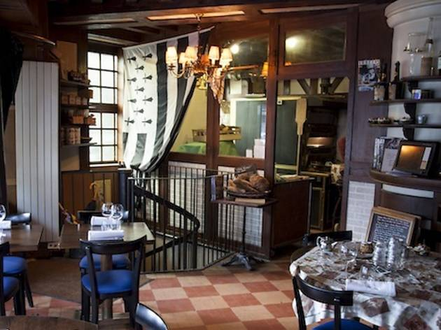 chez michel restaurants in gare du nord paris. Black Bedroom Furniture Sets. Home Design Ideas