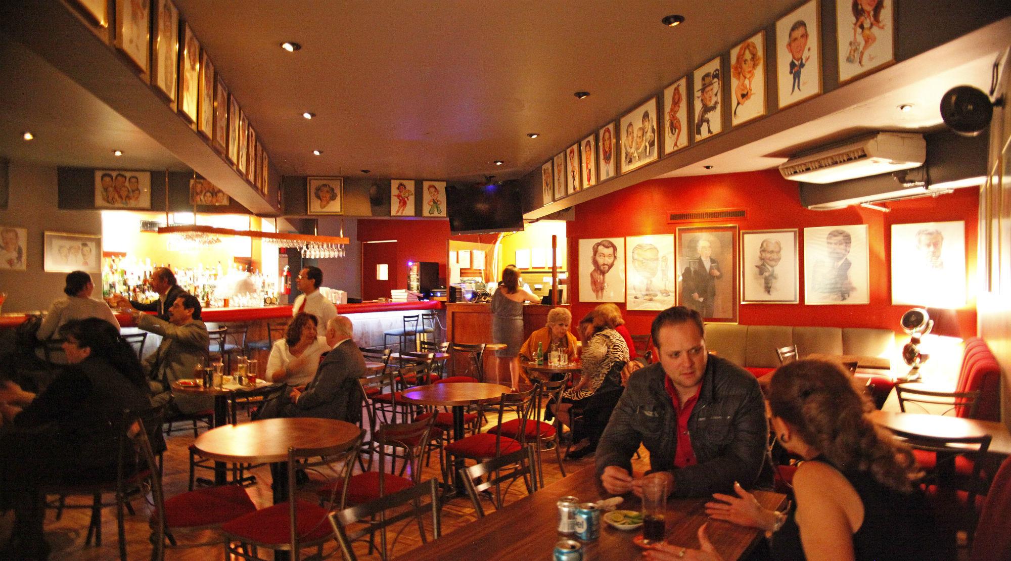 Siqueiros Bohemian Bar