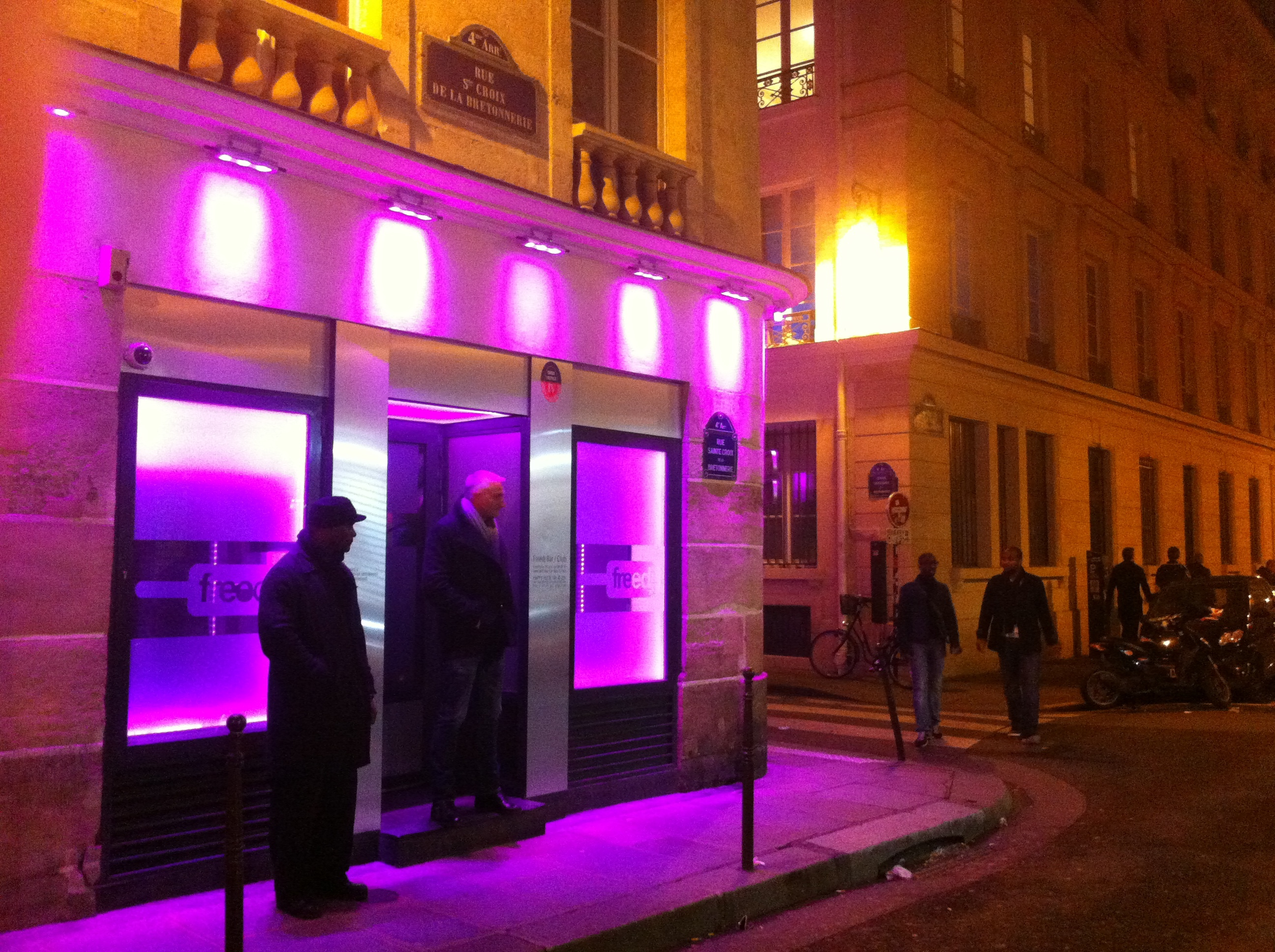 GAY CLUBS IN PARIS FRANCE