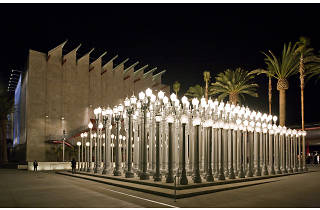 Chris Burden, Urban Light (2008), view at night