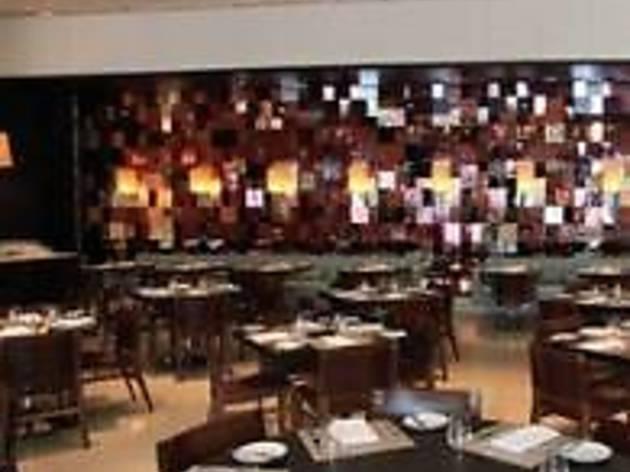 Wolfgang Puck Bar & Grill - LA Live