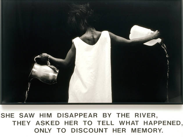('Waterbearer', 1986 / Courtesy de l'artiste, Salon 94, New York, et Galerie Nathalie Obadia, Paris-Bruxelles / © Lorna Simpson)