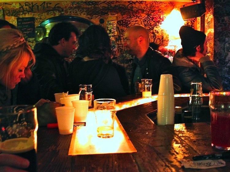 Bars & cafés :  Bastille