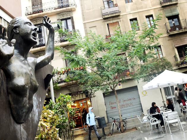 Pla_a_del_Diamant_escultura.jpg