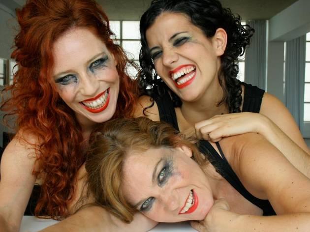 Carmela, Lilí, Amanda