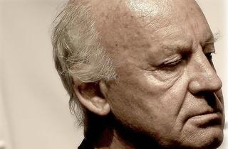 'Vuelan los abrazos'. Homenaje a Eduardo Galeano