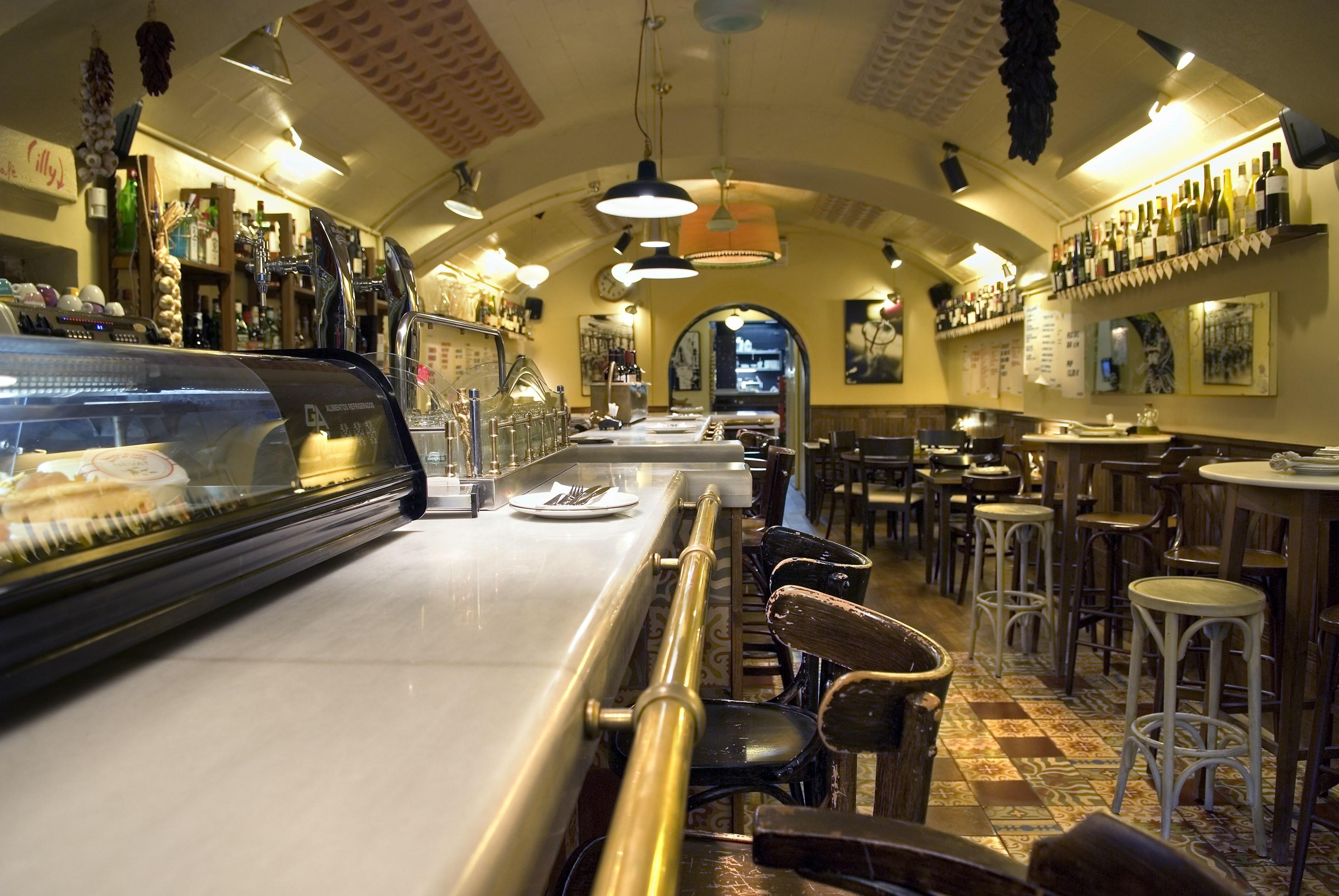 Bar del pla restaurants in sant pere santa caterina i - Interiores de restaurantes ...