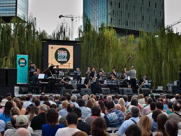 45 Voll-Damm Festival Internacional de Jazz de Barcelona: Big Band del Consevatori del Liceu + Big Band Blue de l'Escola de la Concepció