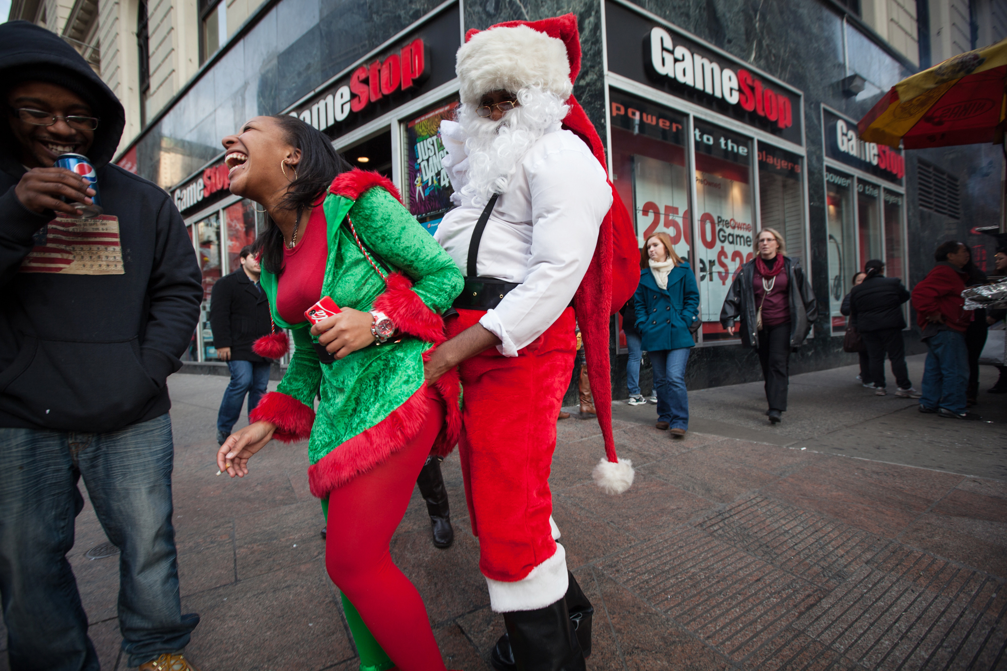SantaCon will return to NYC on December 12; there are still no miracles on 34th Street