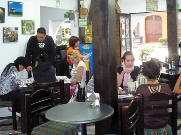 Medellín, de aquí y allá