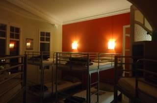 Bcn Eixample Hostel