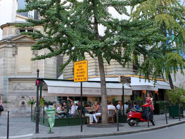 La terrasse des archives bars and pubs in le marais paris - Terrasse jardin resto paris toulouse ...