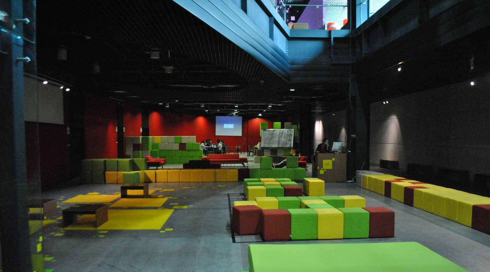 Miércoles 9: Centro de Cultura Digital