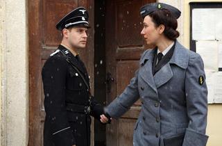 Moritz Bleibtreu and Ursula Strauss in My Best Enemy