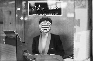 ('NYC', 1963 / © Joel Meyerowitz / Courtesy Howard Greenberg Gallery, New York City)