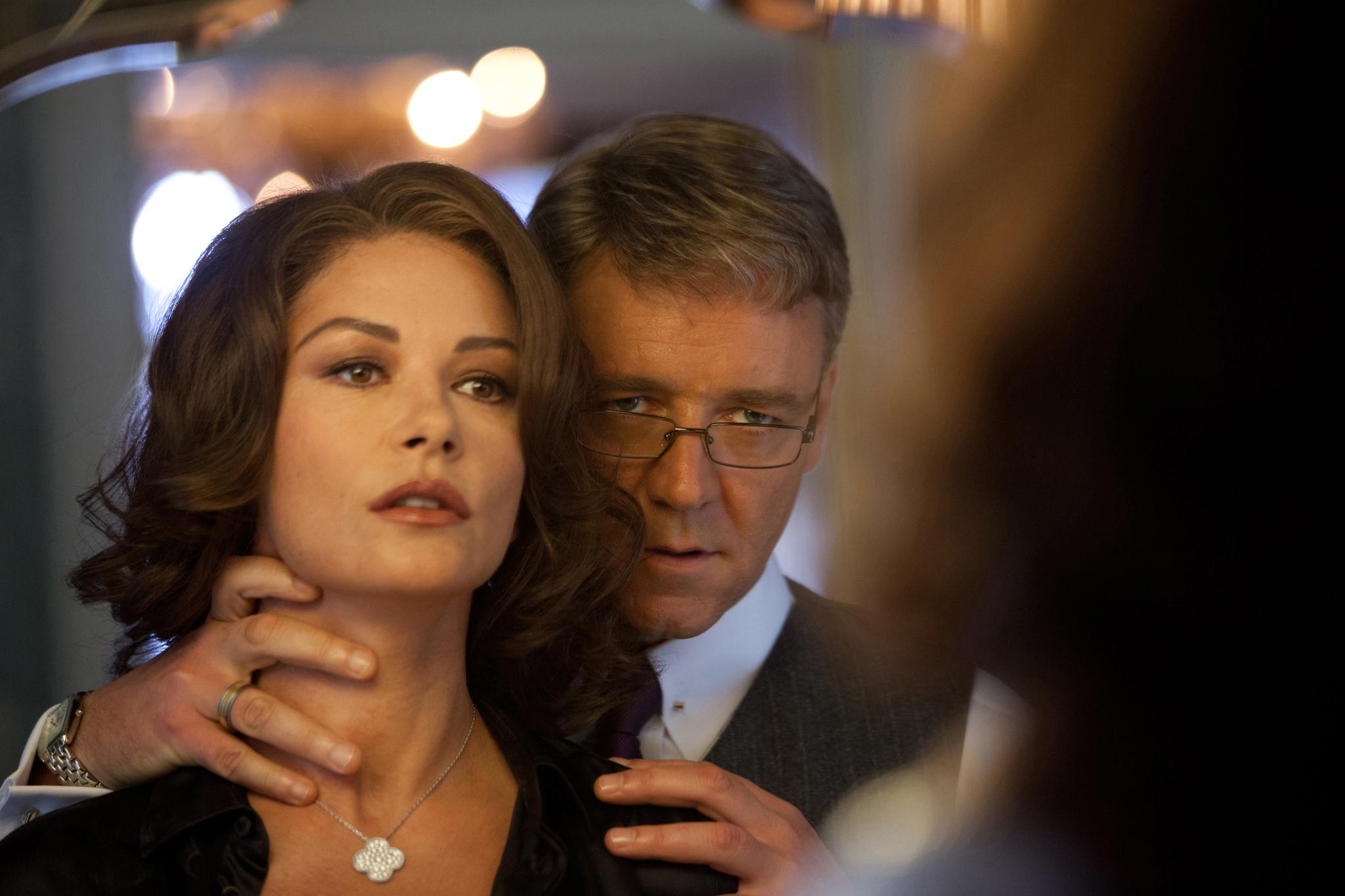 фильм жена изменяет мужу с телохранителем где купить массажер
