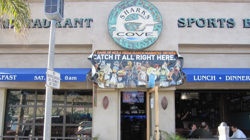 Shark's Cove Sport's Bar & Restaurant