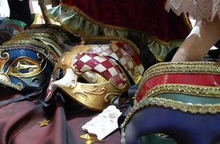 Au bal masqué  (© CA)