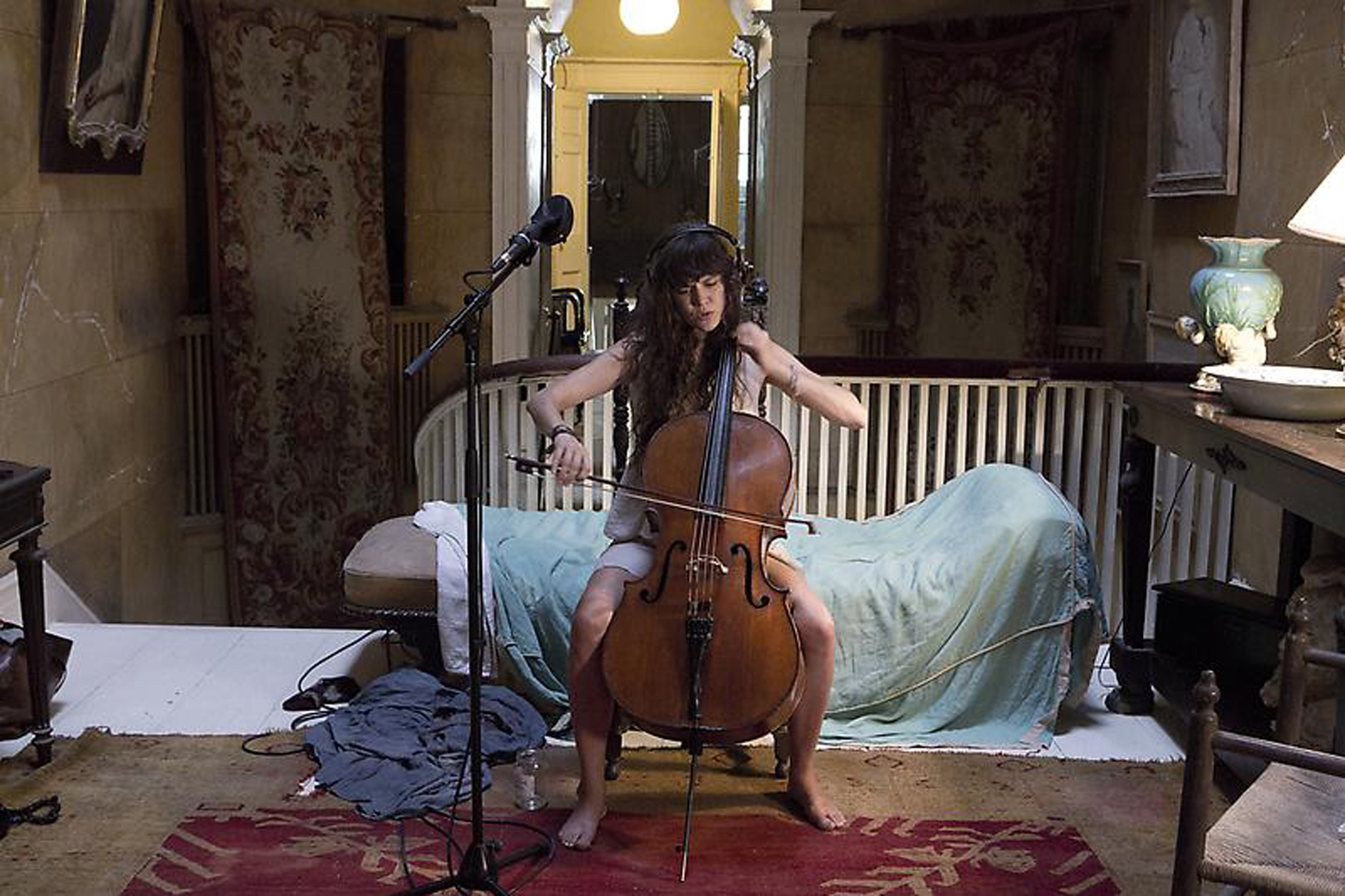 "Ragnar Kjartansson, ""Me, My Mother, My Father, and I"""