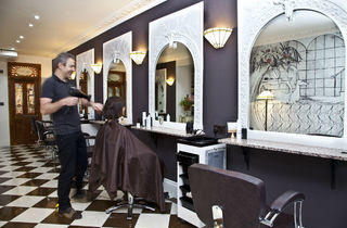 Oskar Pink Salon, 5 Camden High St, Press 2013
