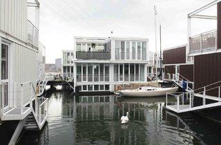 The Dutch Way: From Houseboat to Water House