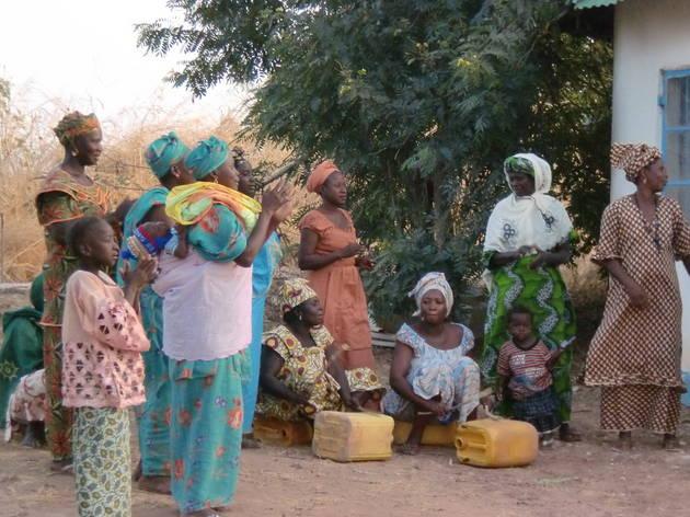 Finestres al món: Gàmbia, Iniciación sin mutilación