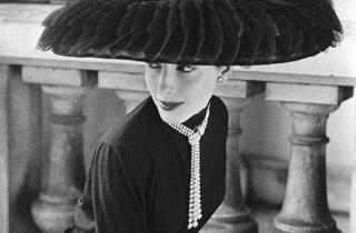 Model wearing a hat (Corbis/© Norman Parkinson Ltd/Courtesy Norman Parkinson Archive)