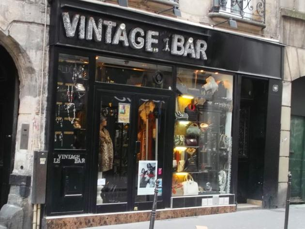 Vintage Bar Shopping In Le Marais Paris