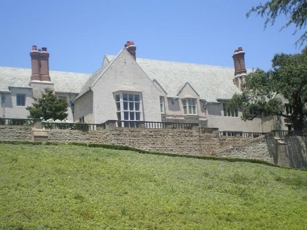 <p>Greystone Mansion</p>
