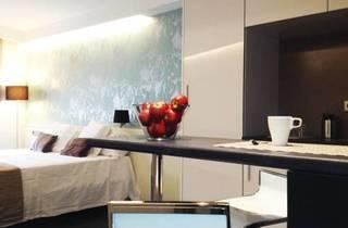 Barcelona Fifteen Luxury Hostel