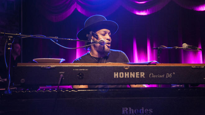 Live photos: D'Angelo and Questlove