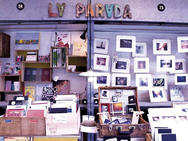 'Nit Lila': Gràcia commerce, food and culture