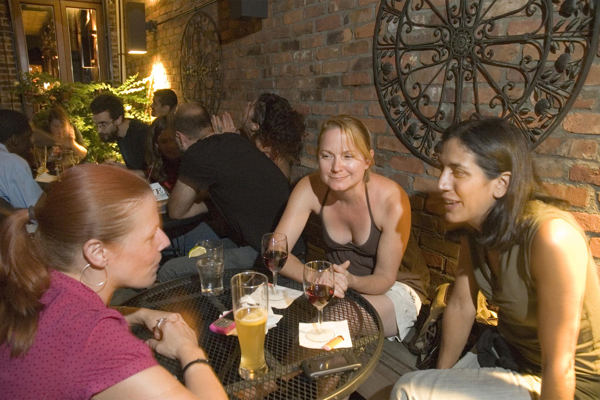 Long Island City: LIC Bar
