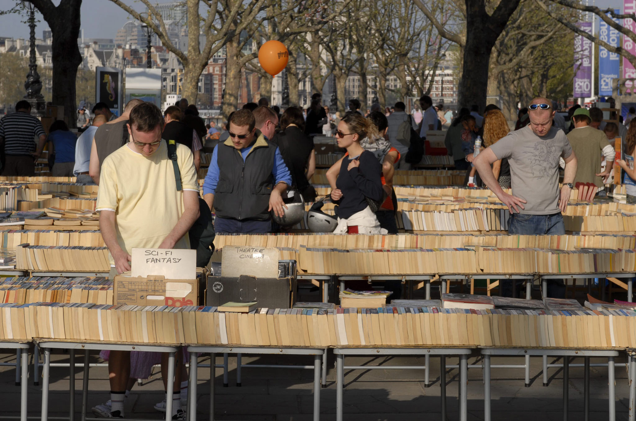 Browse: South Bank Book Market