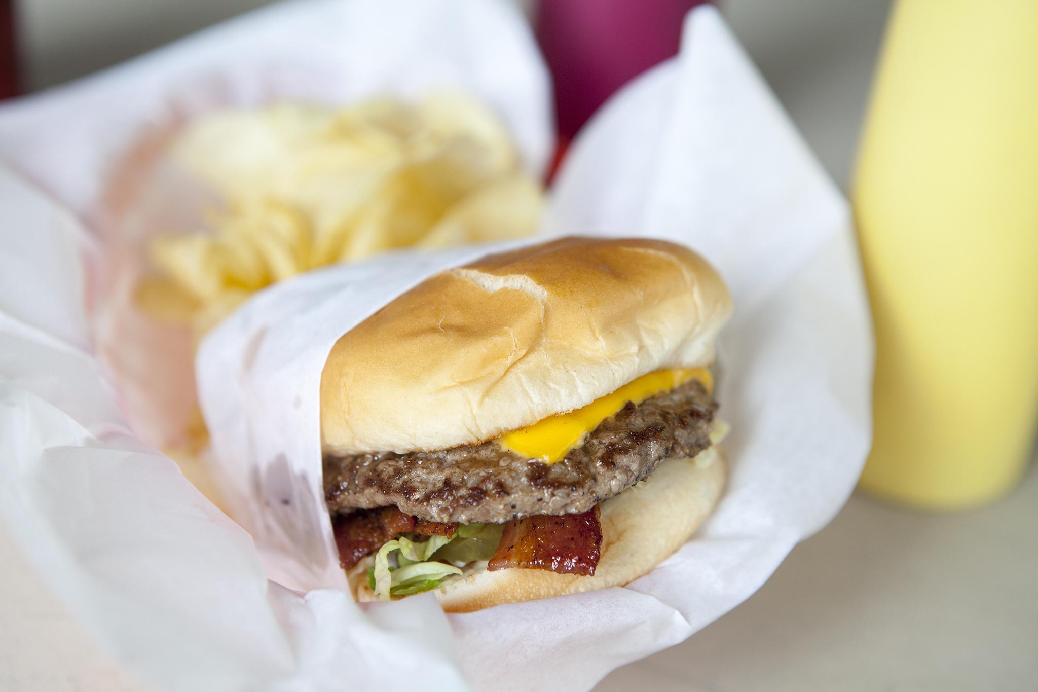 Bill & Hiroko's bacon cheeseburger