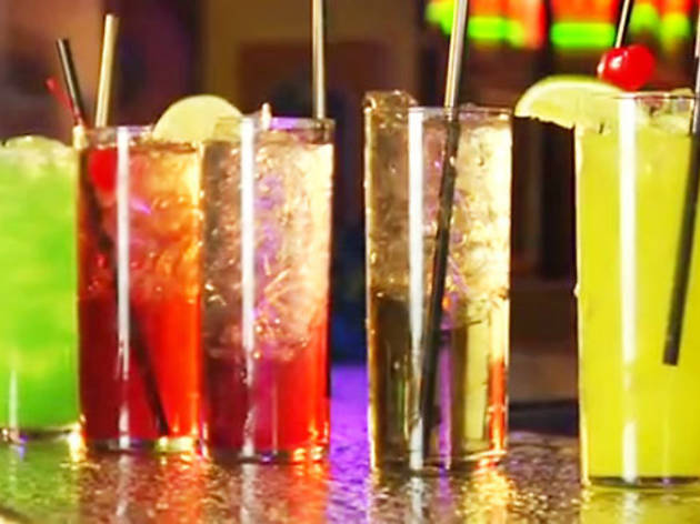 Cocktail recipes for spring: how to mix great cocktails (VIDEO)