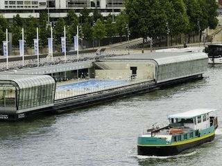 Nager dans la Seine (ou presque) à la piscine Joséphine Baker