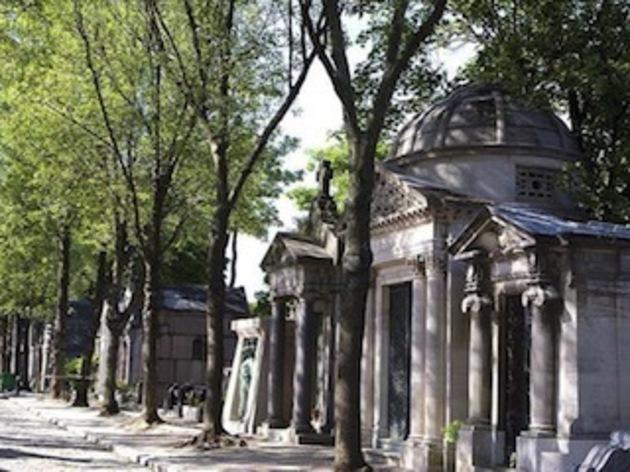 Explorer les dédales du cimetière du Père Lachaise