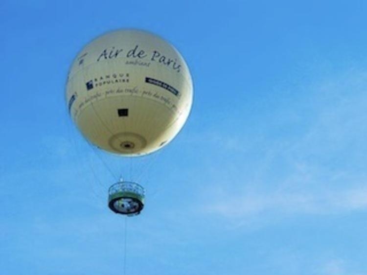 Contempler Paris depuis la montgolfière du parc André Citroën