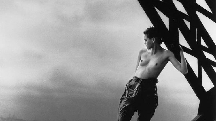 Peter Lindbergh, Mathilde sur la Tour Eiffel, 1989, Polka Galerie