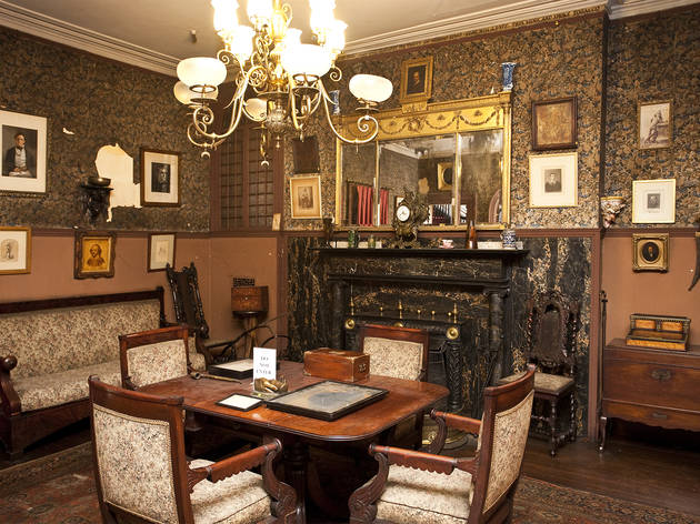 Edwin Booth's bedroom (slide show)