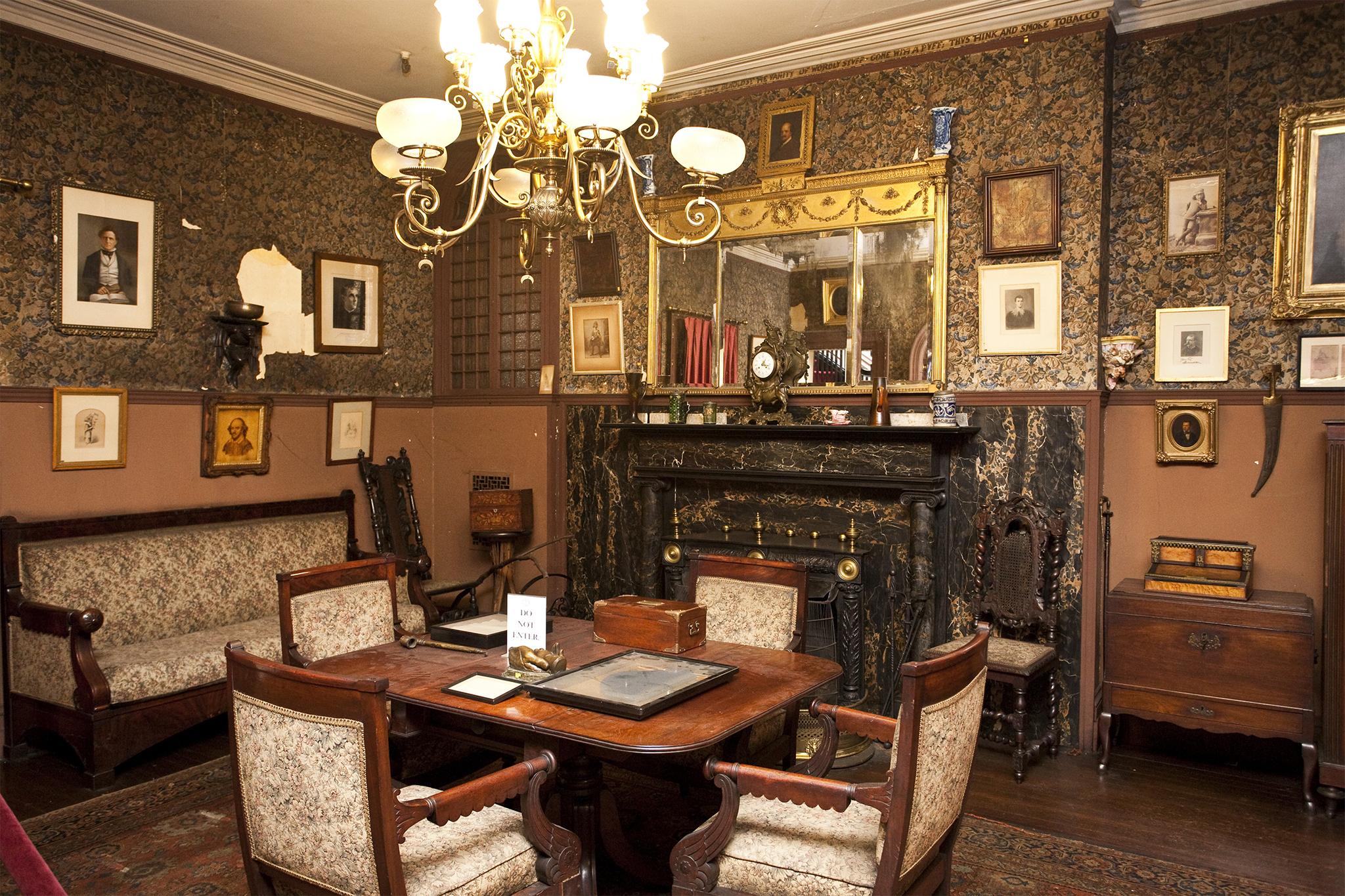 Edwin Booth's bedroom (slide show)