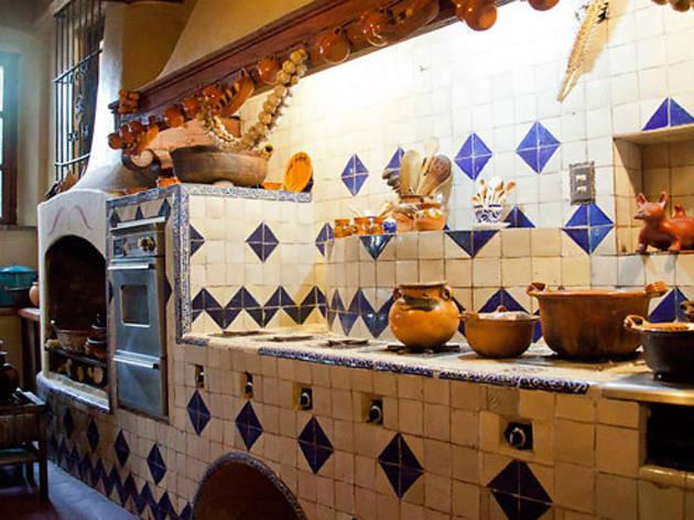 Talavera adorna la cocina (Foto: Alejandra Carbajal)