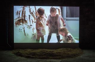 Síndrome. Contexto, maneras y estructura. Formas actuales de producción artística en Estocolmo.